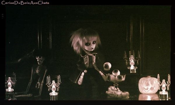 Toujours pas peur des poupées?