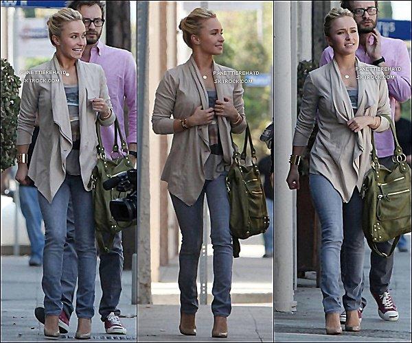 23/09/11  -Hayden à étais vus allant un studio à Hollywood elle est magnifique grand Top