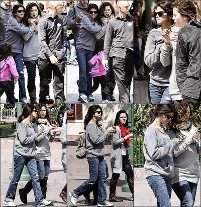 Samedi 9 Avril : Selena , sa famille et une amie était au parc DisneyLand en Californie.