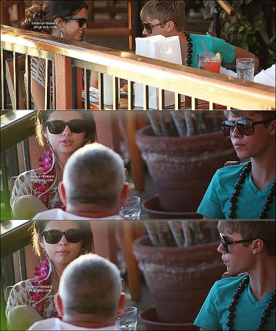 Vendredi 27 Mai : Jelena dans un jardin tropical puis dînant ensemble sur la terrasse d'un restaurant (Hawaï).
