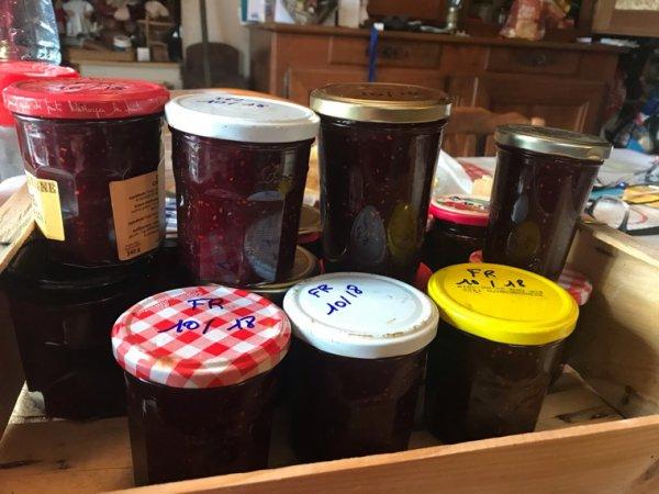 Fruits rouges,framboises,fraises,cassis,myrtille et cornouiller