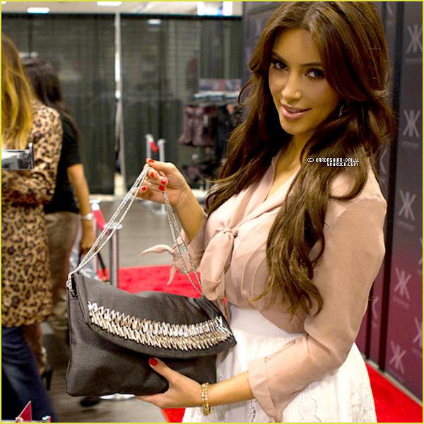 """.  SCANS OK! MAGAZINE  :  Voici un aperçu de quelques photos de la """"bridal shower"""" de Kim. ."""