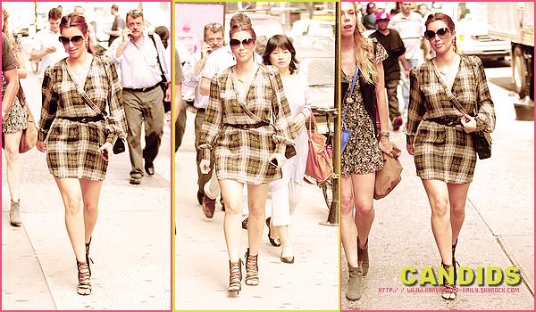 .  CANDIDS 04.08.11 :  Kim et Jonathan Cheban se rendant à la boutique Vera Wang de New-York. .