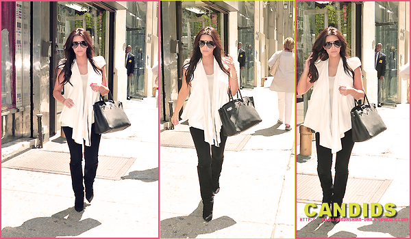 .  CANDIDS 10.08.11 : Kim se rend à la boutique Vera Wang, à New-York. .