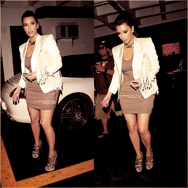 .   CANDIDS 19.08.11 :  Kim se rend au salon de beauté et à la boutique Vera Wang à Los angeles. .