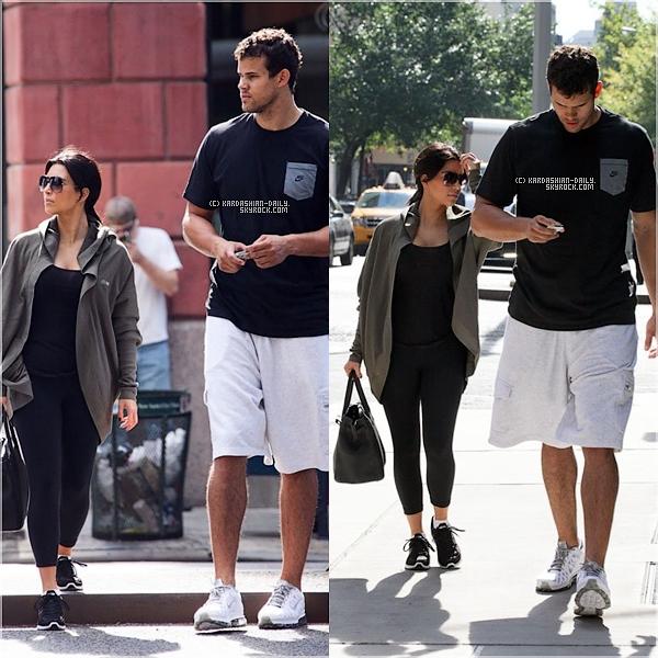 .  CANDIDS 31.08.11 : Kim en compagnie de Kourtney puis de Kris allant et quittant sa séance de sport. .