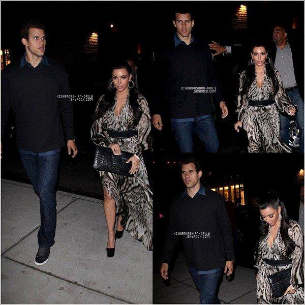 .  CANDIDS 15.09.11 :  Kim et Kris rejoignent leur hôtel après le concert d'Andrea Bocelli à Central Park.  .