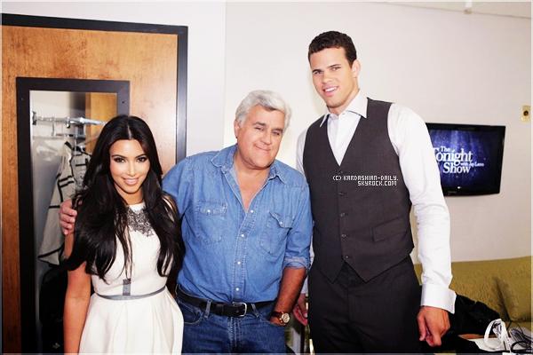 .  CANDIDS 04.10.11 : Kim et Kris se rendant au Tonight Show with Jay Leno.  .