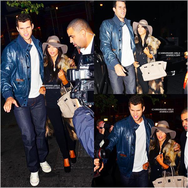 .   CANDIDS 21.10.11 : Kim et Kris de sortie dans NYC. .