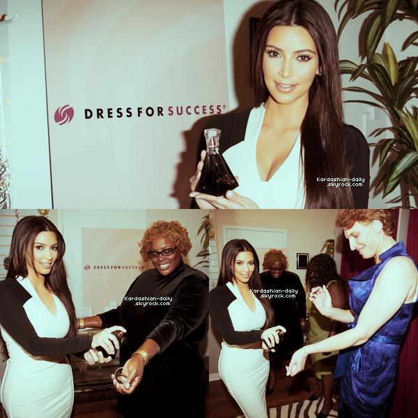 """_ ►Apparition 24.03.12 : Kim était présente à la fête d'anniversaire de Perez Hilton. Top/Flop? Le thème de la soirée était : """"La Tea Party du Chapelier Fou"""". Référence à Alice au Pays des Merveilles. _"""