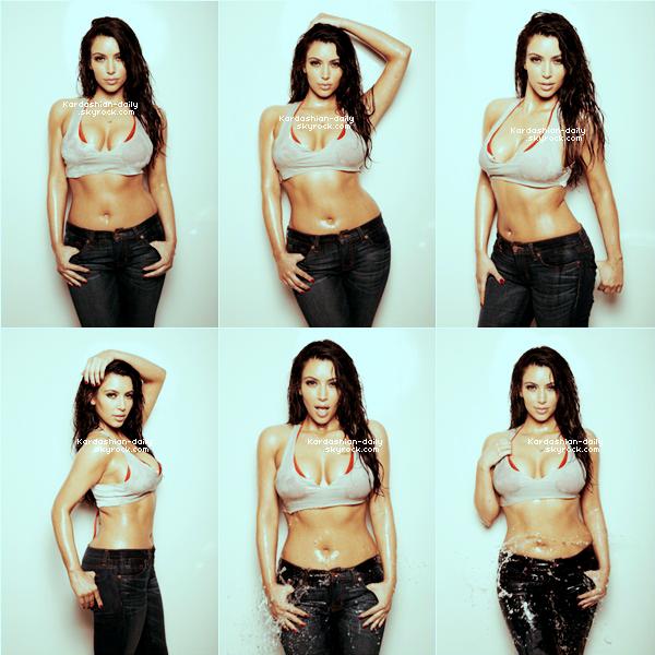 _ ►Photoshoot  2011 : Découvrez un nouveau shoot des soeurs Kardashian pour Teen Vogue. Les trois soeurs portaient des vêtements de la Kardashian Kollection. Tu aimes?  _
