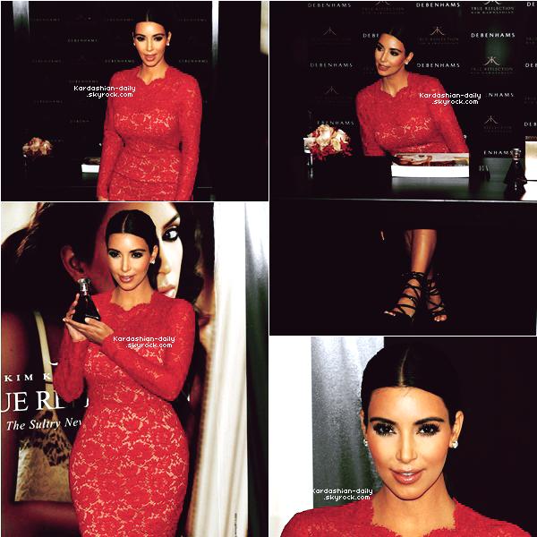 """_ ► Apparition 18.05.12   : Kim au lancement de """"True Reflection"""" à Debenhams à Londres.  Coup de coeur pour sa tenue en dentelles. Kanye West a accompagné Kim à nouveau. _"""