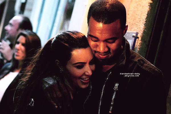 _ ►Candids 18.06.12 : Kanye et Kim ont été aperçues par les paparazzis à Paris. Première photo de Kim au WTT tour à Paris Becy hier soir ici. _
