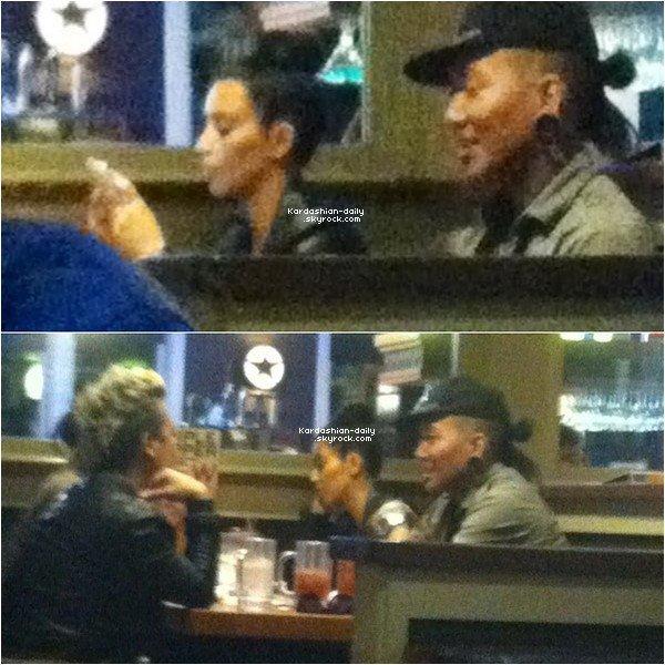 _ ►Candids 27.06.12 : Kim se rend au nail salon à Beverly Hills. Elle portait de nouveau son pantalon en cuir avec un simple t-shirt gris. _