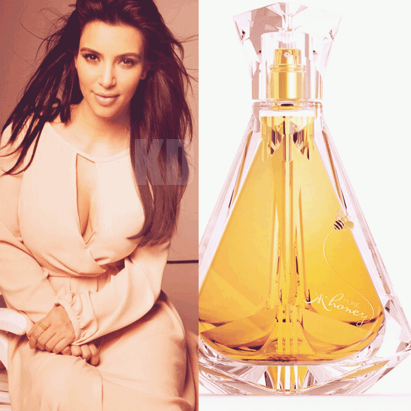 - ►01.02.13 : RENCONTRE AVEC DES FANS HIER SOIR DANS LE MISSISSIPPI.  Alors que son 6eme parfum vient d'être dévoilé, Kim continue la promo de son 5eme parfum True Reflection. -