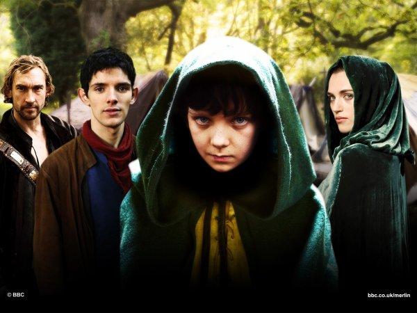 En un pays de légendes, au temps de la magie, le destin d'un grand royaume repose sur les épaules d'un jeune garçon. Son nom... Merlin !