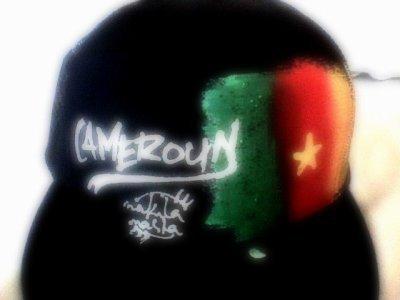 CAMEROUNAiiS ET FiiER