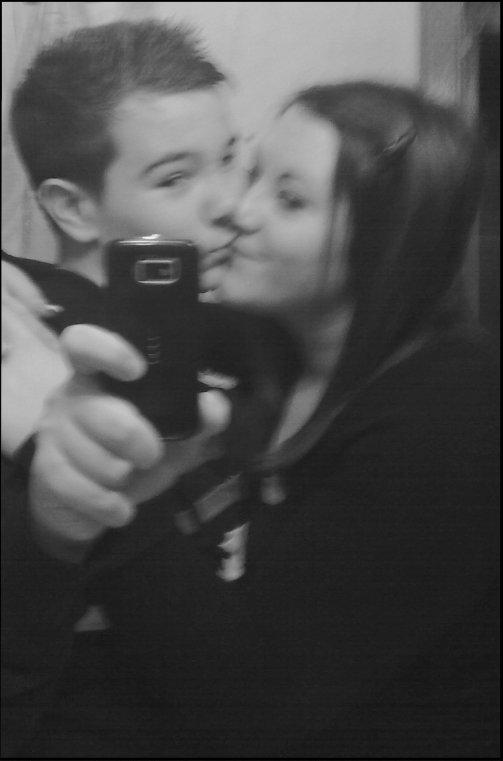 Promet moi que j'aimais rien n'y personne ne fera qu'un jour toi & moi on s'abandonne...