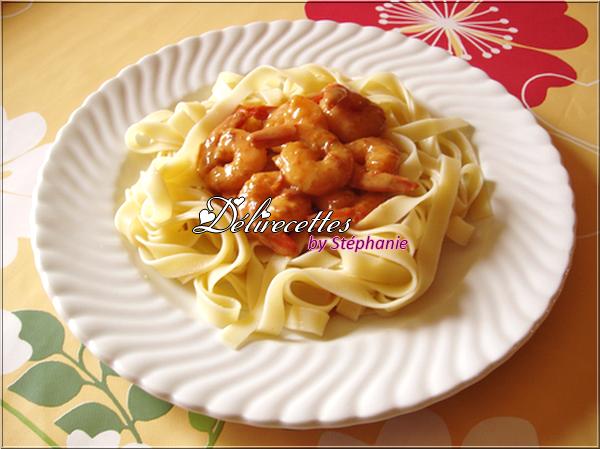 Tagliatelles et crevettes au miel et au curry
