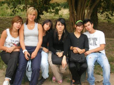 Anais, MOi, Audrey, Jenifer, ManOn et FlOrent