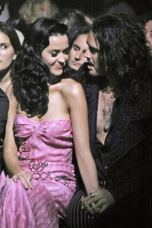 Katy en veut toujours à Russel Brand !