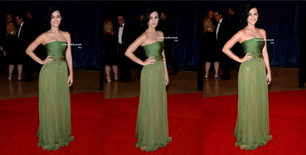 27.04 : Katy au the White House Correspondents' Association Dinner  // 30.04 : Katy au Catherine Martin And Miuccia Prada Dress Gatsby Opening Cocktail //  Nouveaux Tweets ( Indices sur son 4ème album !)