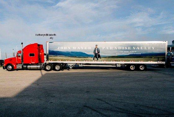12.09 : Avant première de PRISM à LA // Camion de Promo de John Mayer //  Photo de Katy et son camion + Nouveau titre DARK HORSE