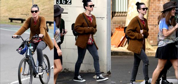 28.10 : Katy à X-Factor (Australie) //  27.10 : Virrée shooping dans une des rues à Crown Street //  Couverture magasine U On Sunday & Glamour UK //  Katy et Robert Pattinson : Petite soirée arrosée (2008)