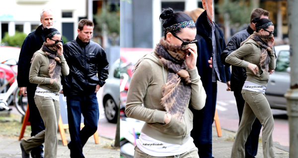 09.11 : Katy à Amsterdam // New photos de Glamour UK // Emission Real Or Magic  GLEE : Episode Katy VS Gaga // + Infos