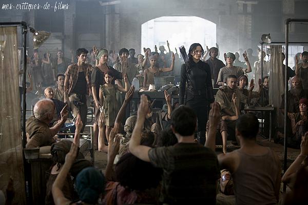 0210 ♪ Hunger Games : La révolte – Partie 1