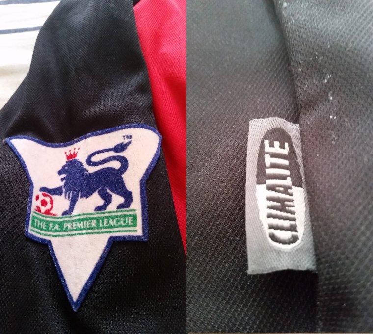 Maillot de Fulham exterieur de Premier League porté par Sylvain Legwinski en 2002/2003