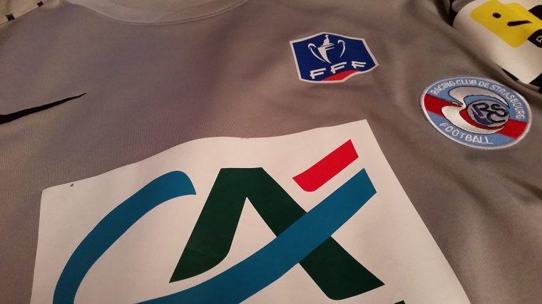 Maillot du RC Strasbourg Porté en Coupe de France (2011/2012) par Vauvenargues Kéhi