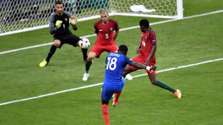 Maillot de La France de la finale de l'Euro 2016 de M. SISSOKO (Non porté !)
