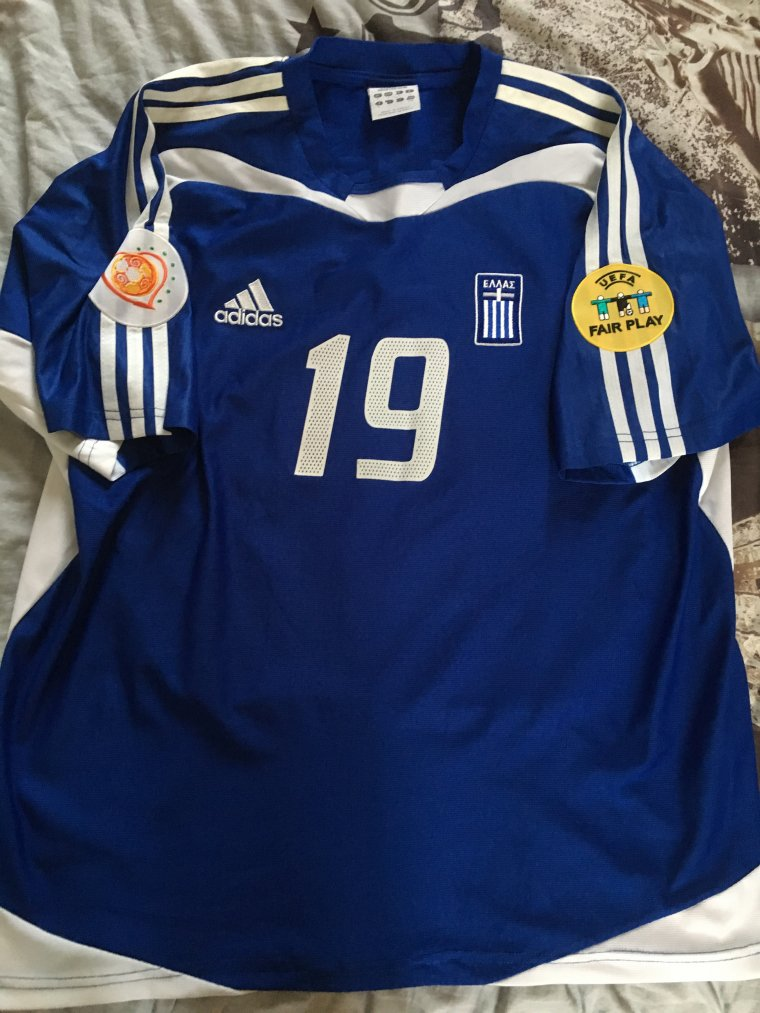 Maillot Porté de la Grèce pendant l'Euro 2004 par M. Kapsis et signé