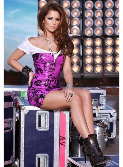 . • · | Page Cheryl Cole France | · • .