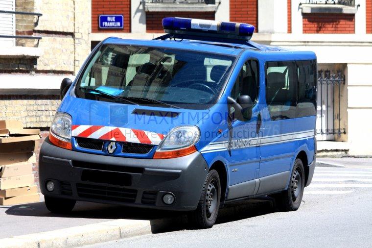 renault trafic gendarmerie nationale le havre 76 j. Black Bedroom Furniture Sets. Home Design Ideas