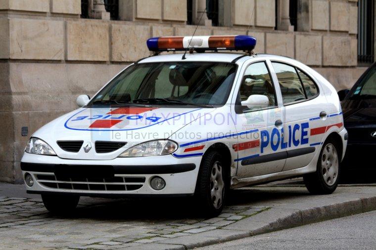 v hicule police secours police nationale le havre 76 j 39 ai pas choisi d 39 tre normand j. Black Bedroom Furniture Sets. Home Design Ideas