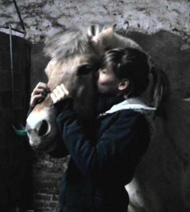 Dana  & Kiki :)    (L)