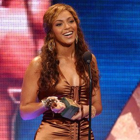 Congratulations Beyonce : Soul Train Awards 2012