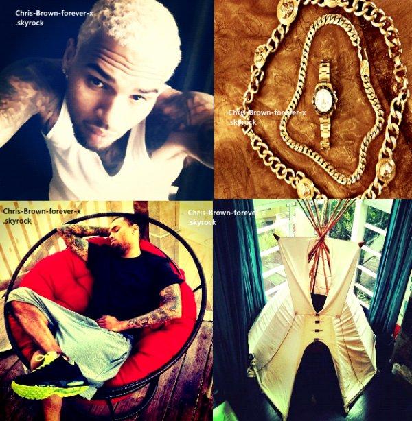 ►  Instagram :   Nouvelles photos de Chris ! . ( 26 mars 2012 ) .