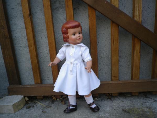 Vera jolie jeune fille allemande