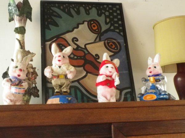Jouets et poupées aux Puces du Canal