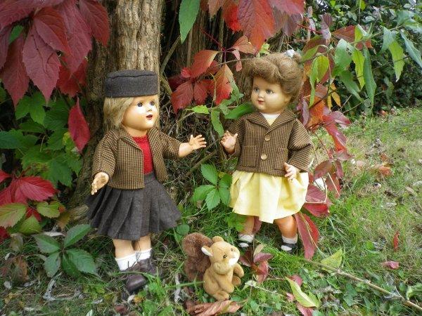 Sophie, Constance et leur ami l'écureuil