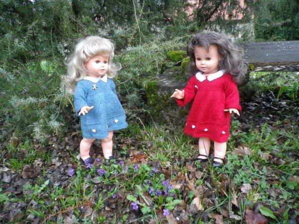 Florence et Marianne à la chasse aux oeufs