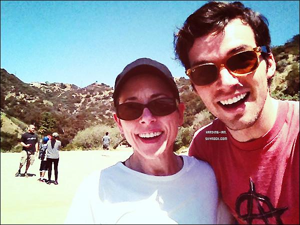 . ▬ Ian  demande sur twitter de l'aider, de donner des dons pour l'association  Walk For Lupus Now, pour sa maman qui est atteint d'une maladie. Faites un don !  .