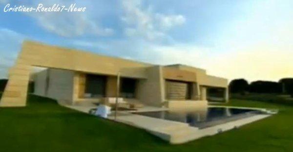 cristiano ronaldo7 news vous pr sente la maison de cristian ronaldo madrid d sol e pour la. Black Bedroom Furniture Sets. Home Design Ideas