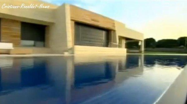 cristiano ronaldo7 news vous pr sente la maison de cristiano ronaldo madrid d sol e pour la. Black Bedroom Furniture Sets. Home Design Ideas