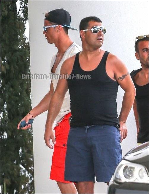 """Suite des photos de """"Cristiano Ronaldo en vacances à Miami [Etats-Unis]"""""""