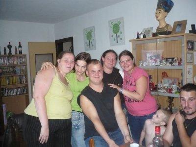 les 4 cousines et le cousin