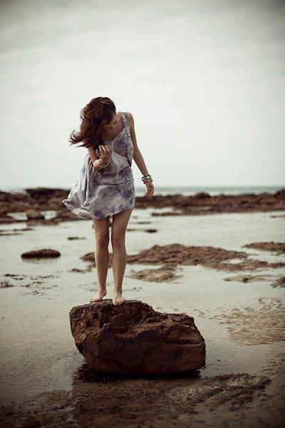 Quand j'me regarde je m'inquiète, quand j'me compare j'me rassure.